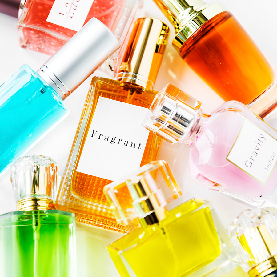 Favorite Perfumes of the Stars or How Smells Hollywood?